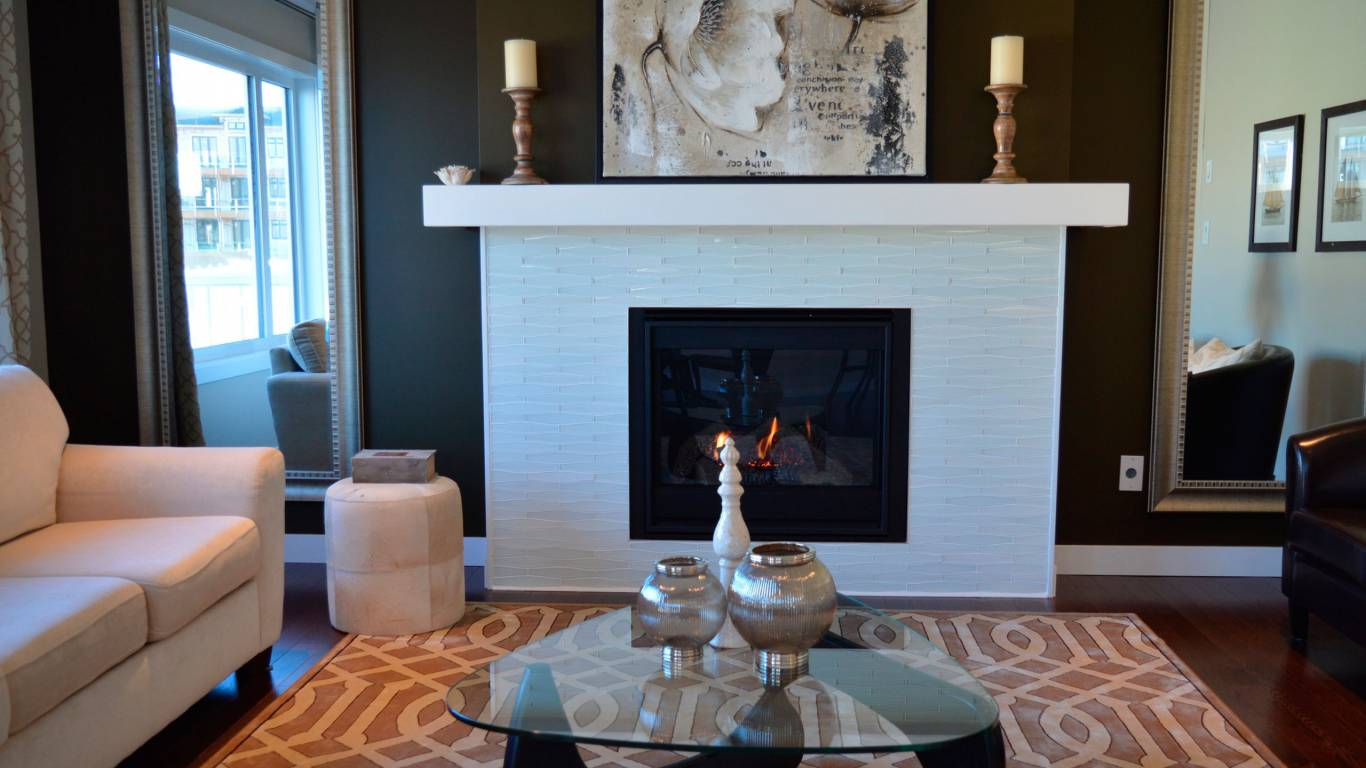 table-wood-villa-mansion-house-floor-670068-pxhere